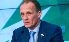 Глава биатлонистов России прервал интервью после вопроса одопинге