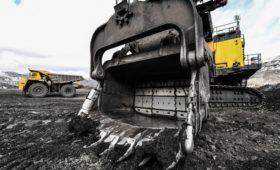 Компания Босова на треть снизила план добычи угля в Арктике