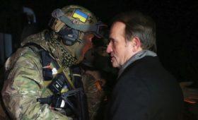 «Единственный канал донесения информации»: кто такой Виктор Медведчук