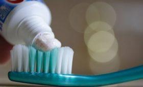 Ученые связали чистку зубов с профилактикой импотенции