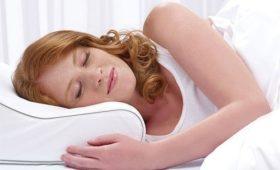 Сон на боку во время беременности снижает риск мертворождения