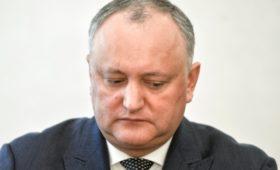 Суд в Молдавии лишил Додона полномочий президента и передал их премьеру