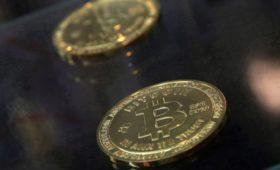 Стоимость биткоина превысила $12 000 впервые за полтора года