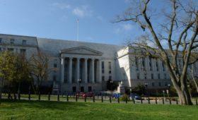 Палата конгресса США приняла бюджет Пентагона с пунктом о госдолге России