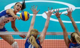 Женская сборная России потерпела первое поражение наКубке мира поволейболу