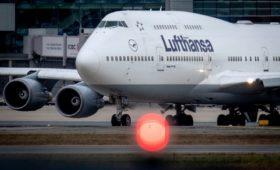 Lufthansa 2020 решила сократить программу полетов на 50% из-за коронавируса